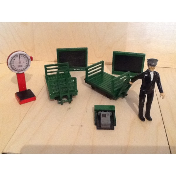 Seven Eighth Scale Station Accessory Pack