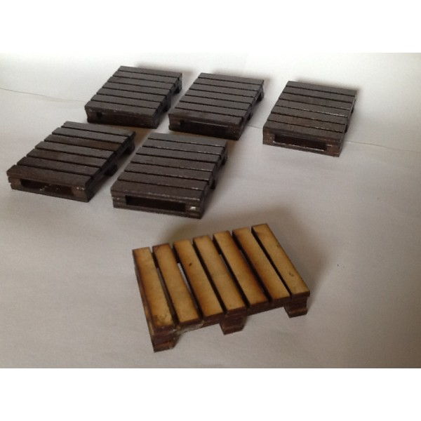 PACK OF SIX WOOD PALLETS